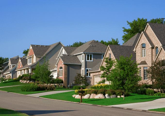 Vila mostrando como são as casas no Estados Unidos